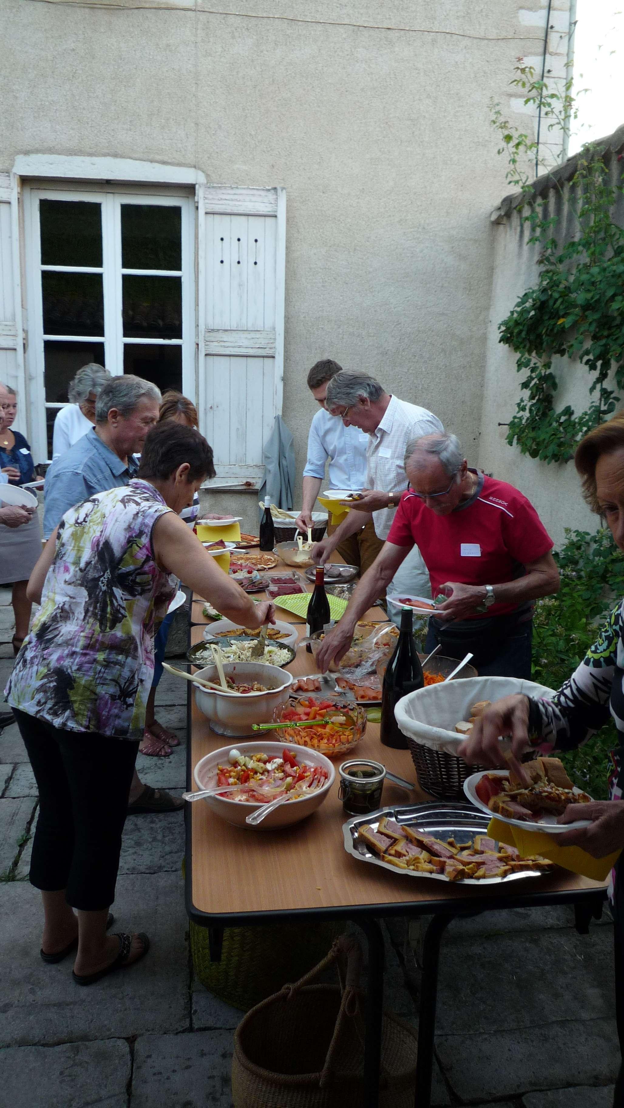 Soir e des colibris repas des b n voles de la paroisse for Repas de soiree